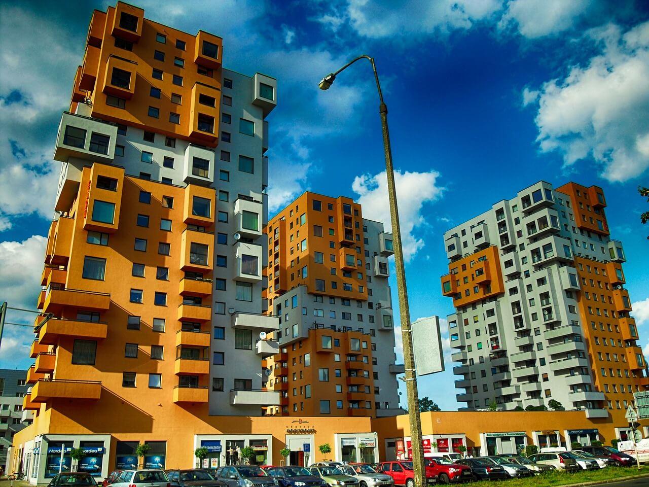 Жилая недвижимость в польше дубай люди